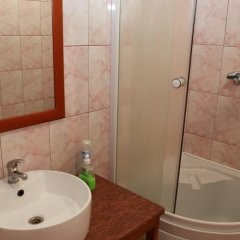 Hotel on Rybatskiy lane ванная фото 3