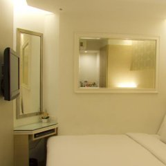 Отель Prestige Suites Bangkok Бангкок комната для гостей фото 24