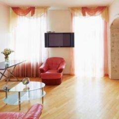 Гостиница 1 Minute to Ploshcha Rynok комната для гостей фото 3