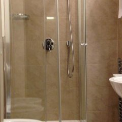 Weekend Rooms and Hostel ванная
