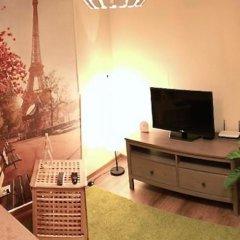 Гостиница «Альфа Берёзовая» в Омске отзывы, цены и фото номеров - забронировать гостиницу «Альфа Берёзовая» онлайн Омск комната для гостей фото 6