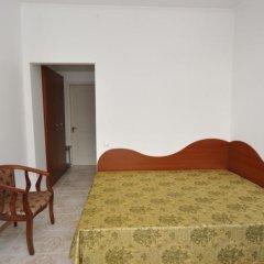 Гостиница Вилла Камилла в Лазурном отзывы, цены и фото номеров - забронировать гостиницу Вилла Камилла онлайн Лазурное комната для гостей фото 3