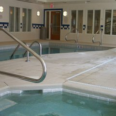 Отель Fairfield Inn & Suites Effingham бассейн