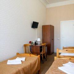 Гостиница Гостевые комнаты у Петропавловской 2* Номер с общей ванной комнатой с различными типами кроватей (общая ванная комната) фото 9