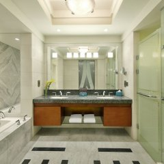Отель The Nile Ritz-Carlton, Cairo ванная