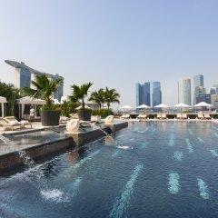 Отель Mandarin Oriental, Singapore бассейн