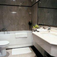 Отель Hôtel London Opera Франция, Париж - 5 отзывов об отеле, цены и фото номеров - забронировать отель Hôtel London Opera онлайн ванная фото 4