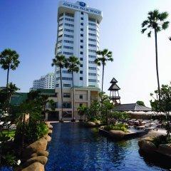 Отель Jomtien Palm Beach Hotel And Resort Таиланд, Паттайя - 10 отзывов об отеле, цены и фото номеров - забронировать отель Jomtien Palm Beach Hotel And Resort онлайн приотельная территория
