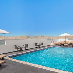 Отель Doubletree By Hilton Ras Al Khaimah бассейн