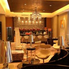Отель Ramada Xian Bell Tower Hotel Китай, Сиань - отзывы, цены и фото номеров - забронировать отель Ramada Xian Bell Tower Hotel онлайн гостиничный бар