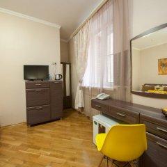 Гостиница ПолиАрт Стандартный номер с двуспальной кроватью фото 4