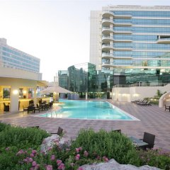 Отель Millennium Dubai Airport ОАЭ, Дубай - 3 отзыва об отеле, цены и фото номеров - забронировать отель Millennium Dubai Airport онлайн бассейн фото 2