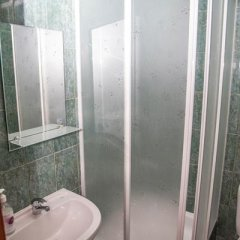 Гостиница Oasis Ug в Ставрополе отзывы, цены и фото номеров - забронировать гостиницу Oasis Ug онлайн Ставрополь ванная фото 4