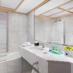 Отель NJV Athens Plaza Hotel Греция, Афины - 1 отзыв об отеле, цены и фото номеров - забронировать отель NJV Athens Plaza Hotel онлайн ванная