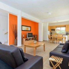 Отель Villa Serenity Кипр, Протарас - отзывы, цены и фото номеров - забронировать отель Villa Serenity онлайн комната для гостей фото 2