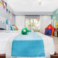 Отель Be Live Collection Punta Cana - All Inclusive 3* Семейный номер Better together с различными типами кроватей фото 3