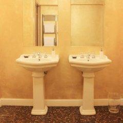 Отель The Place ванная фото 3