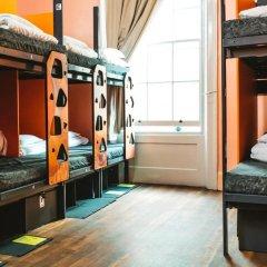 Clink78 Hostel Кровать в женском общем номере с двухъярусной кроватью