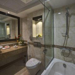Grandeur Hotel Дубай ванная фото 2