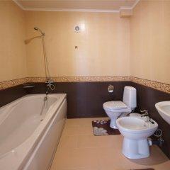 Гостиница Камелот в Малореченском 3 отзыва об отеле, цены и фото номеров - забронировать гостиницу Камелот онлайн Малореченское ванная