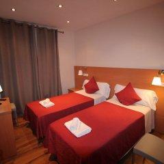 Отель Hostal Orleans комната для гостей фото 2