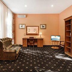 Гостиница Бристоль 3* Улучшенный номер разные типы кроватей фото 2