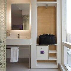 Отель Yotel New York at Times Square 3* Номер категории Премиум с различными типами кроватей фото 3