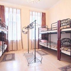 Гостиница Arbat Cinema Hostel в Москве 5 отзывов об отеле, цены и фото номеров - забронировать гостиницу Arbat Cinema Hostel онлайн Москва комната для гостей фото 2