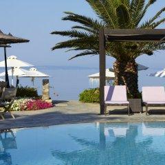 Отель Anthemus Sea Beach Hotel & Spa Греция, Ситония - 2 отзыва об отеле, цены и фото номеров - забронировать отель Anthemus Sea Beach Hotel & Spa онлайн бассейн фото 2