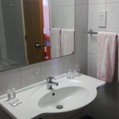 Отель Kapetanios Bay Hotel Кипр, Протарас - отзывы, цены и фото номеров - забронировать отель Kapetanios Bay Hotel онлайн ванная