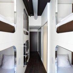 Отель Steel House Copenhagen Кровать в общем номере с двухъярусной кроватью