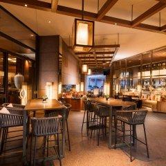 Отель Conrad Centennial Singapore гостиничный бар