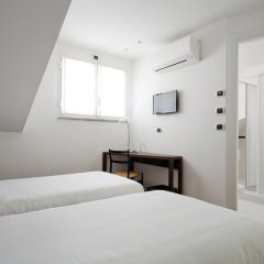 Отель My Bed Colonne Италия, Милан - отзывы, цены и фото номеров - забронировать отель My Bed Colonne онлайн сейф в номере