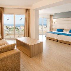 Отель Tomir Portals Suites комната для гостей