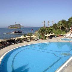 Отель Kadikale Resort – All Inclusive бассейн фото 4