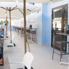Отель Euroclub Hotel Мальта, Каура - 1 отзыв об отеле, цены и фото номеров - забронировать отель Euroclub Hotel онлайн гостиничный бар фото 3