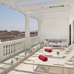 Отель Gran Melia Palacio De Los Duques 5* Люкс The royal red level с различными типами кроватей