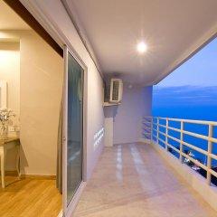 Отель V8 Seaview Jomtien Таиланд, Паттайя - отзывы, цены и фото номеров - забронировать отель V8 Seaview Jomtien онлайн балкон