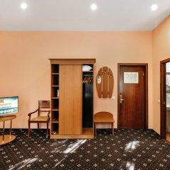 Гостиница Бристоль 3* Улучшенный номер разные типы кроватей фото 4