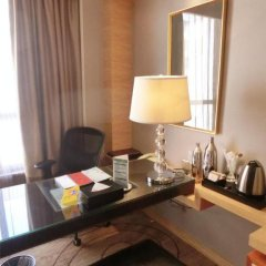 Baolilai International Hotel 5* Улучшенный номер с различными типами кроватей фото 3