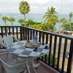Charming Inn Hotel балкон фото 2