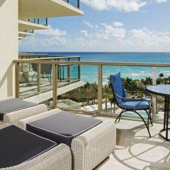 Отель The St. Regis Bal Harbour Resort балкон