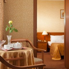 Гостиница Космос 3* Люкс Гранд представительский с двуспальной кроватью фото 2