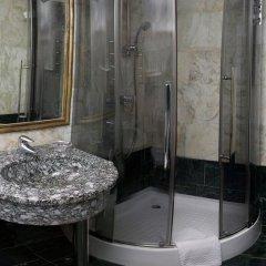 Гостиница Мандарин Москва 4* Номер Бизнес с двуспальной кроватью фото 4