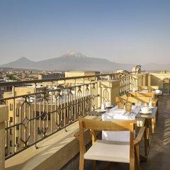 Отель The Alexander, A Luxury Collection Hotel, Yerevan Армения, Ереван - отзывы, цены и фото номеров - забронировать отель The Alexander, A Luxury Collection Hotel, Yerevan онлайн балкон