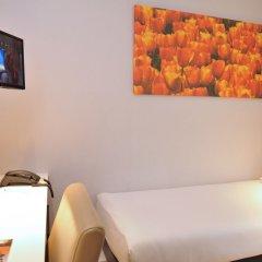 Отель Amsterdam De Roode Leeuw Нидерланды, Амстердам - 1 отзыв об отеле, цены и фото номеров - забронировать отель Amsterdam De Roode Leeuw онлайн комната для гостей фото 4