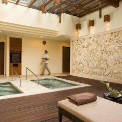 Nusa Dua Beach Hotel & Spa бассейн фото 3