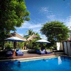 Отель Bale Sampan Bungalows бассейн фото 4