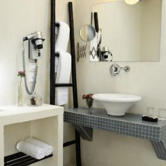 Neve Tsedek Charm Hotel Тель-Авив ванная фото 2