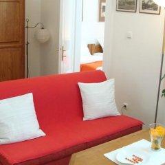 Отель Royal Route Aparthouse Прага комната для гостей фото 8
